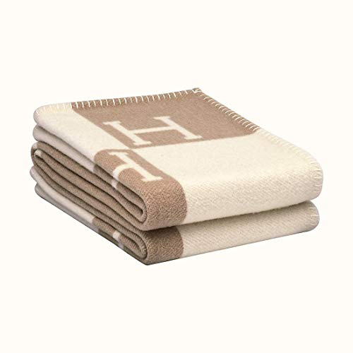 H Blanket Soft Blanket is Super Warm and Comfortable Lightweight Knitted Blanket Living Room Sofa Bed Sofa Chair Travel Blanket New Khaki