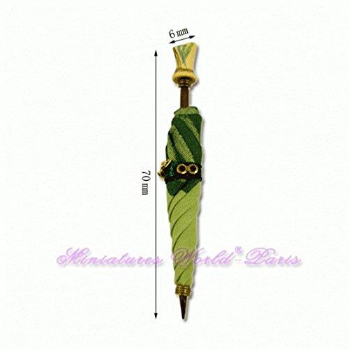 Miniatures World - Groene paraplu in hout en stoffen voor miniatuurdecors en poppenhuizen in schaal 1:12