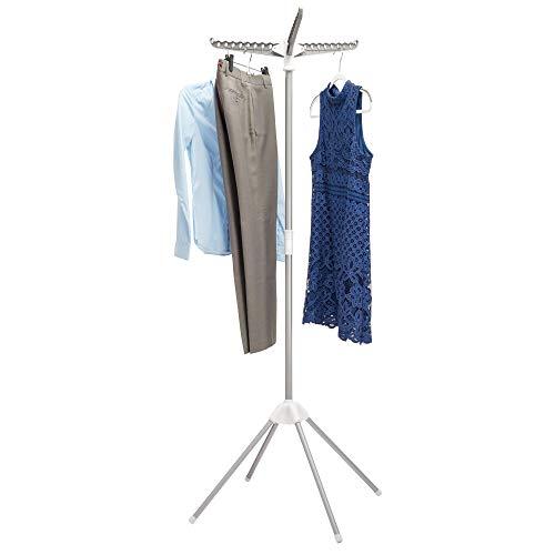 InterDesign Brezio Tendedero vertical extensible de 3 patas para lavandería, colgadores de ropa de metal, plateado, blanco y gris