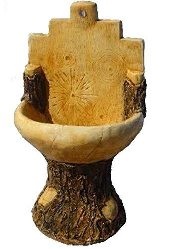 Fontaine en béton, mesures : 113 x 65 cm.