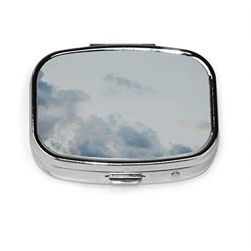 Pastillero: pastillero con compartimentos, pastillero cuadrado, se puede utilizar para monedero, pastillero de viaje con nubes blancas