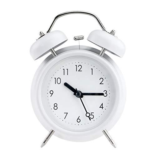 PILIFE Reloj despertador analógico con luz de fondo, funciona con pilas, redondo y fuerte, doble campana, color blanco