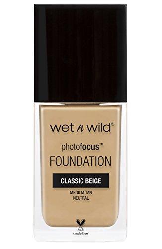 wet n wild – Fond de teint Photo Focus – Formule légère et matifiante - Teinte Classic beige - Made in US - 100% Cruelty Free - Produit Vegan