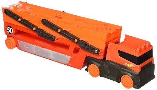 Hot Wheels FTF68 - Mega Truck Transporter, Sattelschlepper Spielset mit 6 Ebenen für 50 Spielzeugautos, Kinder Spielzeug LKW ab 3 Jahren