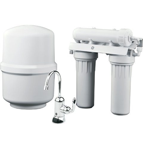 General Electric Appliances Reverse Osmosis Under Sink 3 Stage Water Filtration System GXRM10RBL Filters Lead, Fluoride, Chlorine, Cysts, Arsenic, Cadmium 6 (NSF/ANSI 58), White, Large