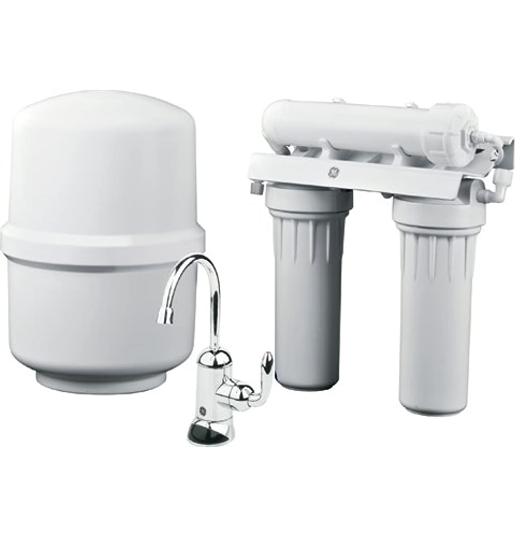 GE Reverse Osmosis Under Sink 3 Stage Water Filtration System GXRM10RBL Filters Lead, Fluoride, Chlorine, Cysts, Arsenic, Cadmium 6 (NSF/ANSI 58)