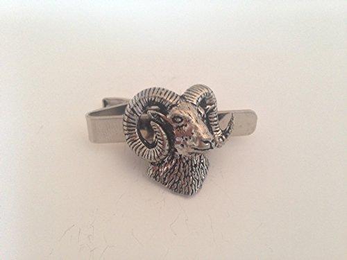 A52 Mouflon English Pewter emblème sur une pince à cravate 4 cm fait à la main à Sheffield Livré avec prideindetails Boîte Cadeau