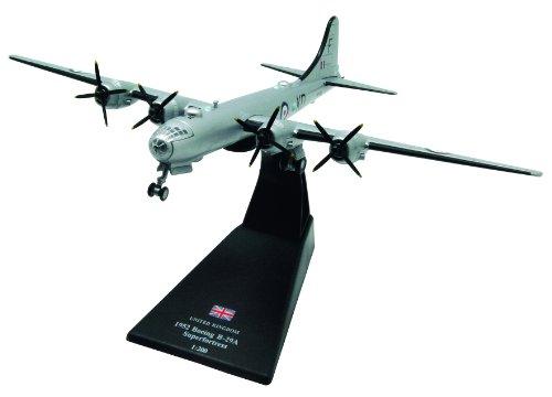 Boeing B-29 Superfortress diecast 1:200 model (Amercom LB-19)