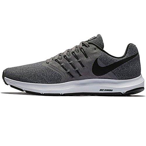 Nike Run Swift, Zapatillas para Correr Hombre, Color Negro y Blanco, 42.5 EU
