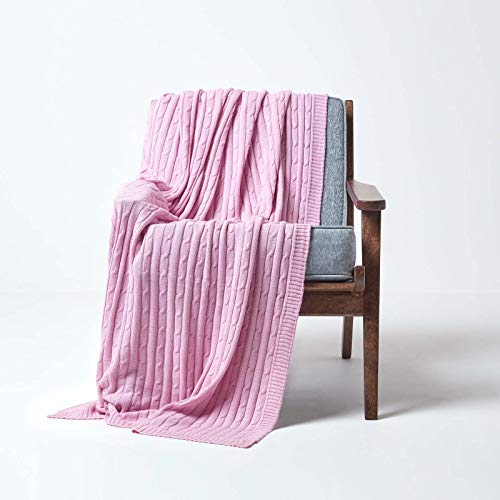 Homescapes knuffelzachte brei/sprei/plaid in roze met kabelpatroon 130 x 170 cm - 100% puur katoen - ideaal als deken of bankhoes, pastelroze