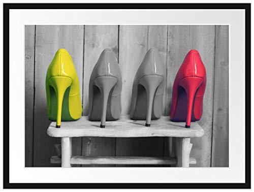 Picati High Heels auf Hocker Bilderrahmen mit Galerie-Passepartout | Format: 80x60cm | garahmt | hochwertige Leinwandbild Alternative