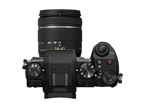 Panasonic LUMIX G DMC-G70KAEGK Systemkamera mit Objektiv H-FS14042E schwarz & Amazon Basics - Große L Umhängetasche für SLR-Kamera und Zubehör, schwarz mit orange Innenausstattung