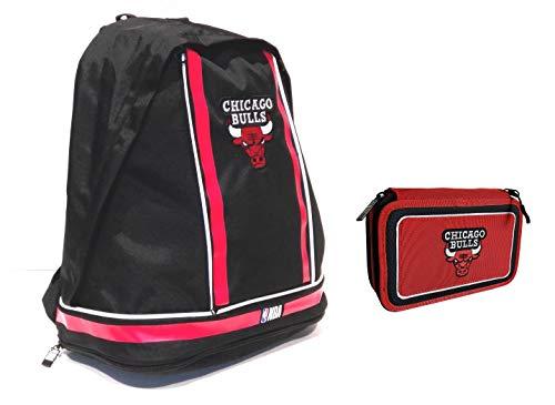NBA - Mochila deportiva con accesorios para el tiempo libre Chicago Bulls + estuche completo con 3 cremalleras + llavero silbato