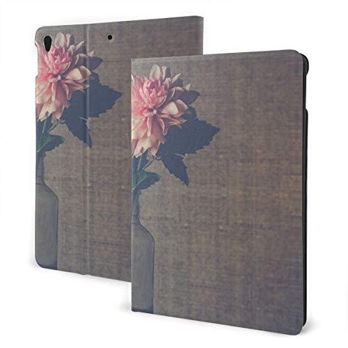 Duidelijke glazen bloemenvaas met roze Dahlia Bloem In Bloom IPad Lederen Hoes, Zachte Rubber Back Cover, Verstelbare Stand, Automatische Wake/Sleep Smart Case, Geschikt voor Ipad Air3 10.5