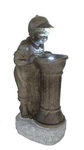 DARO DEKO Garten-Brunnen komplett Set mit Pumpe Junge am Wassernspender 43cm x 33cm x 89cm