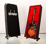 Axman Elvis Presley - Réplica de guitarra en miniatura con caja de exhibición y...