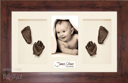 Anika-Baby Kit de moulage de pieds et de mains de bébé avec cadre effet acajou à passe-partout et peinture métallique Crème/bronze Taille L 37 x 22 cm