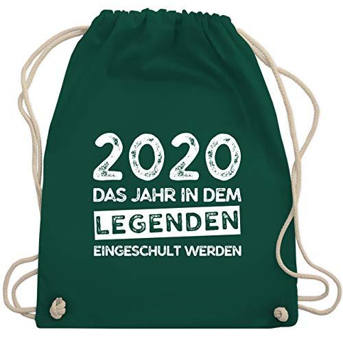 Shirtracer Einschulung und Schulanfang - 2020 Das Jahr in dem Legenden eingeschult werden - Unisize - Dunkelgrün - turnbeutel schulkind junge - WM110 - Turnbeutel und Stoffbeutel aus Baumwolle