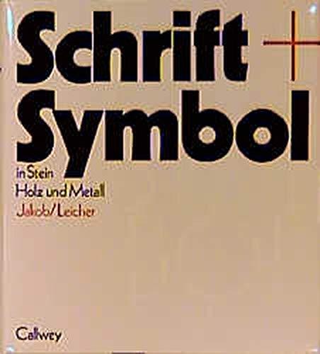 Schrift + Symbol in Stein, Holz und Metall