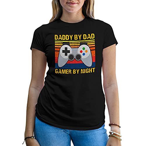 B&S Boutique Vintage Daddy By Day Gamer By Night Father Gift Maglietta Donna Nera Size XXL
