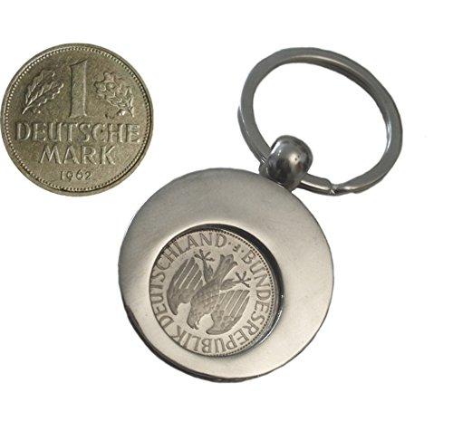 WallaBundu Geschenkidee zum 58. Geburtstag. 1 DM von 1962 im Münzhalter (auch für Einkaufswagen). Echte Münze aus Umlauf und Taschenkalender als Nachdruck. Originell angewandte Nostalgie…