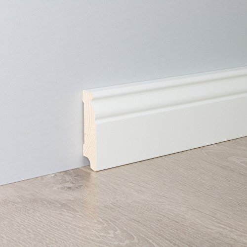 Sockelleiste Fußbodenleiste Altbau-Leiste Hamburger Profil in weiß lackiert aus unbehandeltem Kiefer-Massivholz 2400 x 19 x 70 mm (mit kleinem Kabelkanal)