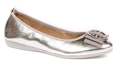 Damen Geschlossene Ballerinas | La Ballerina Linda | Ballerinas für empfindliche Füße | Metallic Leder Silber mit Silberne runde Marken-Schnalle (Numeric_42)