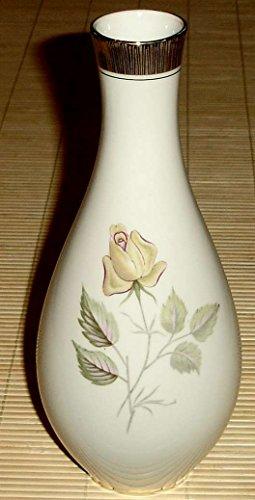 VASE Porzellanvase mit Rosenmuster [50er - 60er Jahre] - Winterling Marktleuthen Bavaria - Mit Goldrand am Hals und Boden - Höhe: 23,50cm