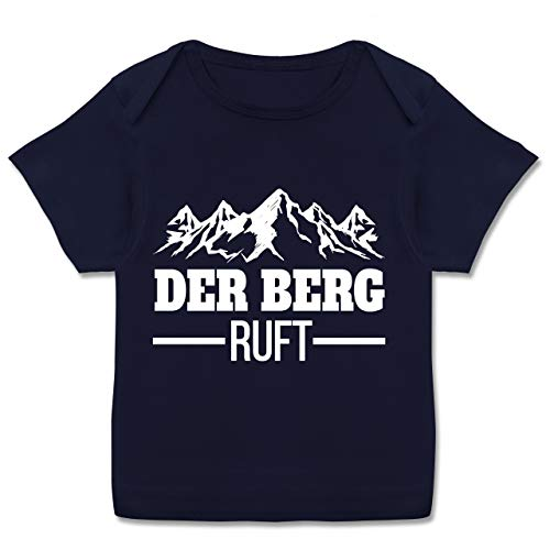 Sport Baby - Der Berg Ruft - weiß - 80-86 - Navy Blau - Berge - E110B - Kurzarm Baby-Shirt für Jungen und Mädchen