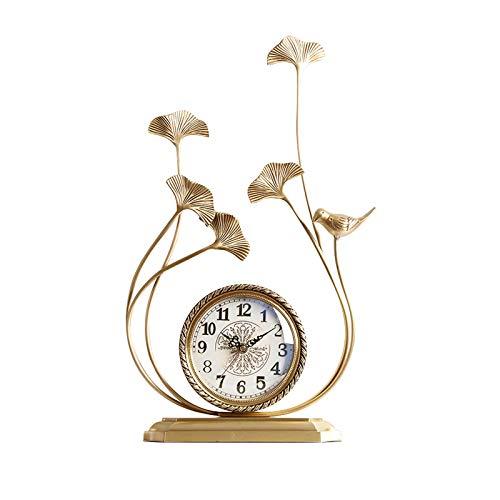 Xiaokeai Luz de Lujo Metal Decorativo Tabletop Clock Powered Numeral Table Table Reloj Retro Silent Desk Relk para Regalos