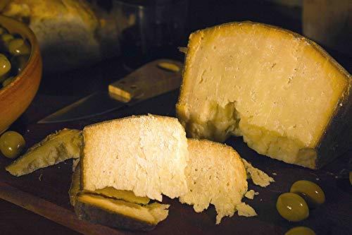3.5 kg - Fiore Sardo Dop, prodotto in Sardegna (Paulilatino) da Giuseppe Cugusi, proprietario dell azienda agricola Sa Marchesa. Abilissimo pastore originario di Gavoi.
