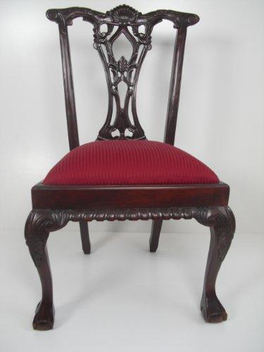 Stuhl, exclusiv, Art Chippendale mit vielen Ornamenten