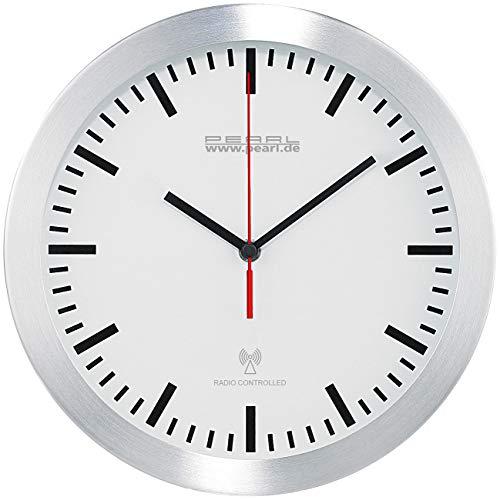 PEARL Küchen Wanduhr Funk: Elegante Funk-Wanduhr im Alugehäuse, laufruhiges Quarz-Uhrwerk (Küchenuhr Funkuhr)