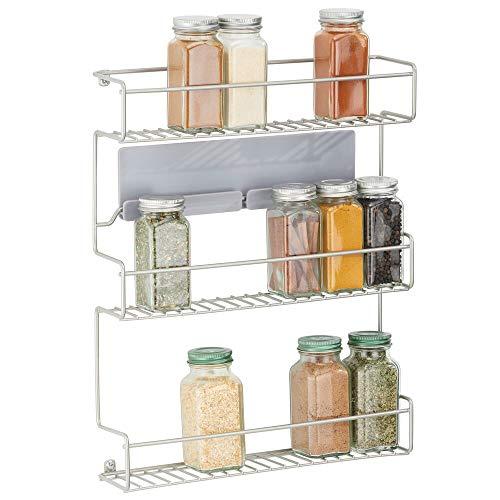 mDesign Estantería metálica – Especieros de cocina autoadhesivos con 3 niveles para montaje en pared – Ideal como organizador de especias para la cocina y la despensa – plateado mate