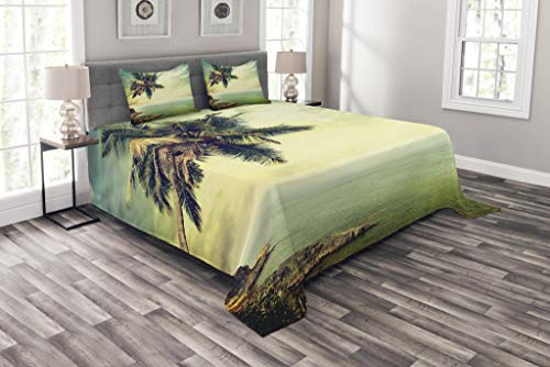 Ambesonne Hawaiian Bedspread, Palm Tree Rocky Shore Caribbean Mist Traveling Resort Scenic, Decorative Quilted 3 Piece Coverlet Set with 2 Pillow Shams, Queen Size, Green
