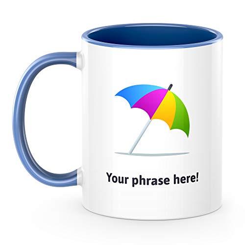 Gepersonaliseerde Emoji 11oz mok met paraplu op grond Blueslate