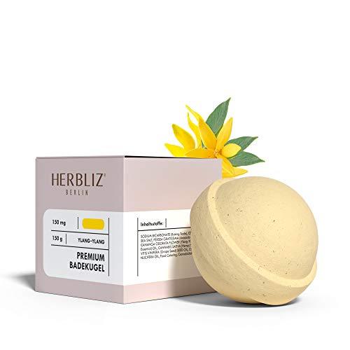 HERBLIZ Ylang-Ylang Badekugel - 150g | Wellness-Badezusatz mit natürlichen Inhaltsstoffen | Fruchtig duftendes Basenbad durch Bio Badebombe (groß, gelb) | Basisches Erholungs-Bad