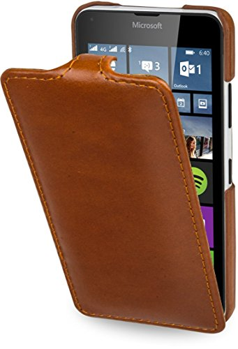 StilGut UltraSlim Hülle, Hülle aus Leder kompatibel mit Microsoft Lumia 640/640 Dual SIM (nur kompatibel mit orangener & Blauer Version), Cognac
