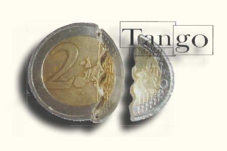 Biting coin (2 Euro w/DVD -internal w/extra piece)(E0044) from Tango
