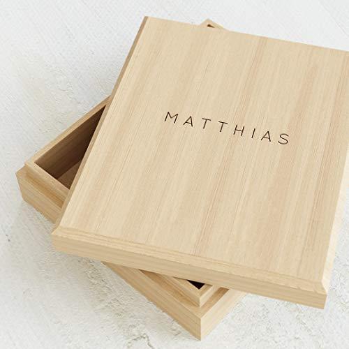 sendmoments gravierte Holzbox, Kiste mit individueller Namensgravur, originelle Geschenkidee, personalisierte Geschenkbox 113 x 130 mm mit Name, Schatulle für Kinder mit persönlicher Beschriftung