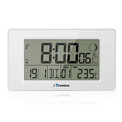 iTronics Digitale Funkwanduhr Tischuhr mit Temperaturanzeige & Countdown-Timer, Thermometer, Wecker und Kalender, Inklusive Batterie, Weiß
