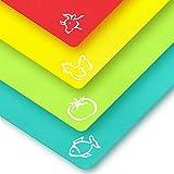 LEMEL - Juego de 4 tablas de cortar de plástico flexible sin BPA con códigos de colores con iconos de comida y respaldo de gofres,