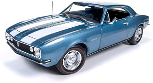 1967 Chevrolet Camaro Z 28 Nantucket Blau 1 18 Auto World Ertl AMM1101