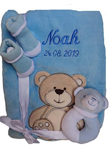 Babydecke mit Namen bestickt Babysocken Babyrassel Greifling Baby Geschenk Geburt Taufe (hellblau Bär)