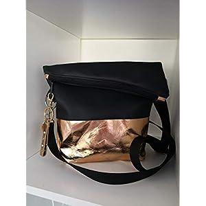 Ausgefallene Damen-Handtasche – Foldover – Kunstleder Schwarz – Rosegold