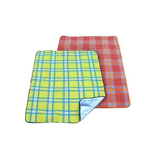 greemotion Picknickdecke rot/grün kariert, wasserabweisende Gartendecke mit isolierender Aluminiumunterseite, Reisedecke für Camping und Ausflüge, keine Farbauswahl möglich