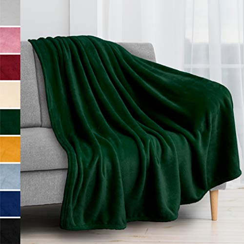 PAVILIA Fleece Blanket Throw   Super Soft, Plush, Luxury Flannel Throw   Lightweight Microfiber Blanket for Sofa Couch Bed (Emerald Green, 50x60 inches)