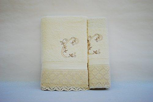 (C). Juego de 3 toallas beije(100x150, 50x100, 50x30) LETRAS INICIALES BORDADAS, 100%algodón,, fabricado en Portugal.