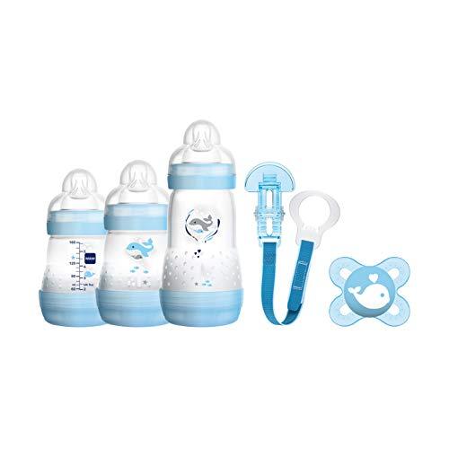 MAM Welcome to the World Geschenke-Set, Baby Erstausstattung mit 3 Anti-Colic Flaschen, Schnuller und Schnullerband, Baby Geschenk Set, ab der Geburt, Hundemotiv, blau