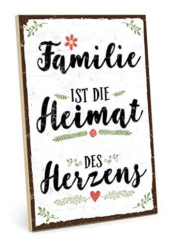 TypeStoff Holzschild mit Spruch – Heimat des HERZENS – im Vintage-Look mit Zitat als Geschenk und Dekoration zum Thema Familie, Geborgenheit und Vertrauen (19,5 x 28,2 cm)